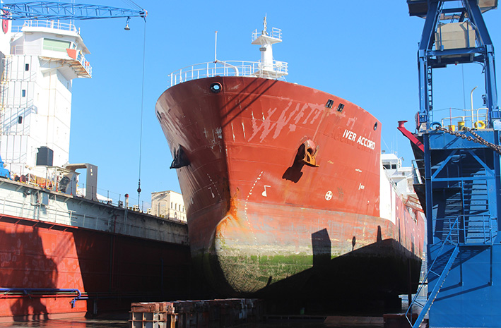 Strong push traffic ship repair in the port of Malaga